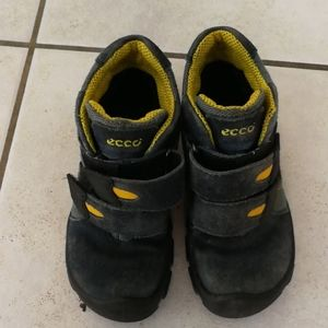 Toddler Ecco boots